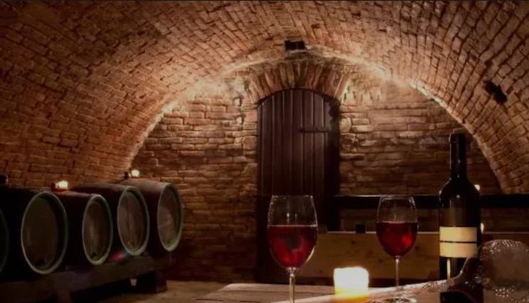 """困局:当前的中国葡萄酒产销市场谁来""""拯救""""?(上)"""